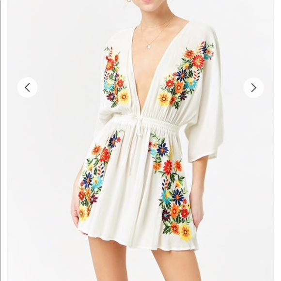 8a451d00db6 Forever 21 Plunging Floral Embroidered Dress